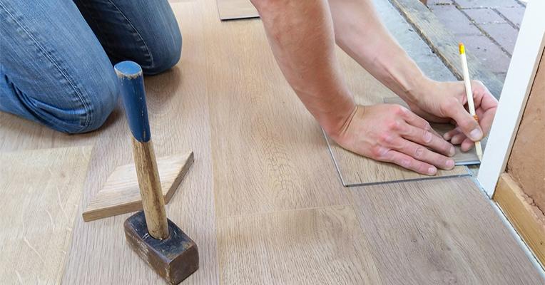Post billede 3 farlige brancher du skal undgå for enhver pris Tømrer - 3 farlige brancher du skal undgå for enhver pris