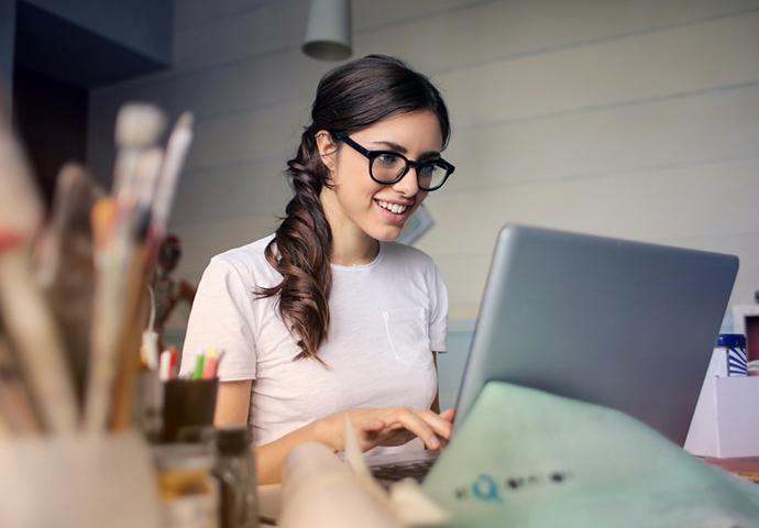 Post billede Uddan dig hjemme De 3 bedste online universiteter UMass Online - Uddan dig hjemme - De 3 bedste online-universiteter