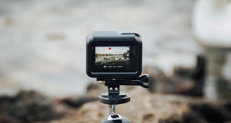 fabrizio verrecchia DjuMe HJD9s unsplash 900x480 - Tripods sørger for stabile billeder til den næste fotoopgave
