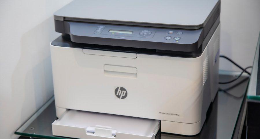mahrous houses 5AoOejjRUrA unsplash 900x480 - Mangler I en printer på kontoret?